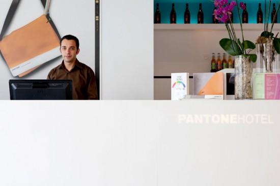 Pantone-308