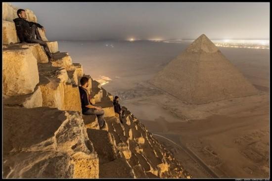 russos-na-piramide-do-egito1