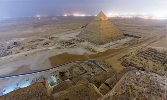 russos-na-piramide-do-egito2