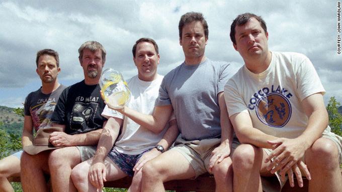 friends-take-same-photo-every-five-years-2002