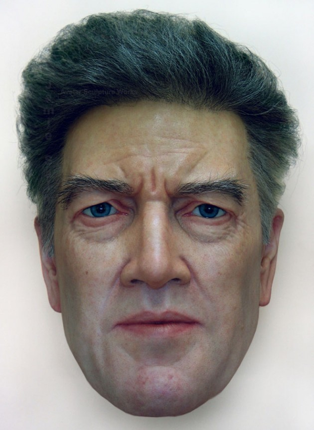 18-hyper- Realistic-sculptures-by-jamie-salmon