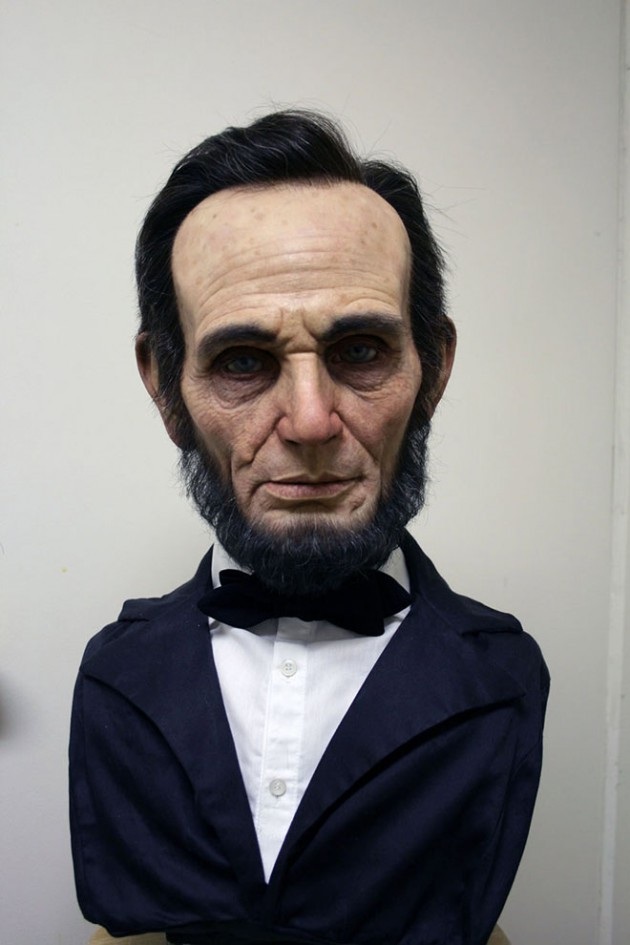2-lincoln-bust-realistic-sculpture