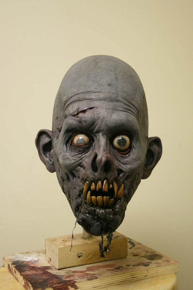 25-boogedy-mask-realistic-sculpture