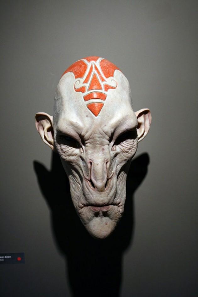 26-deer-alien-mask-realistic-sculpture