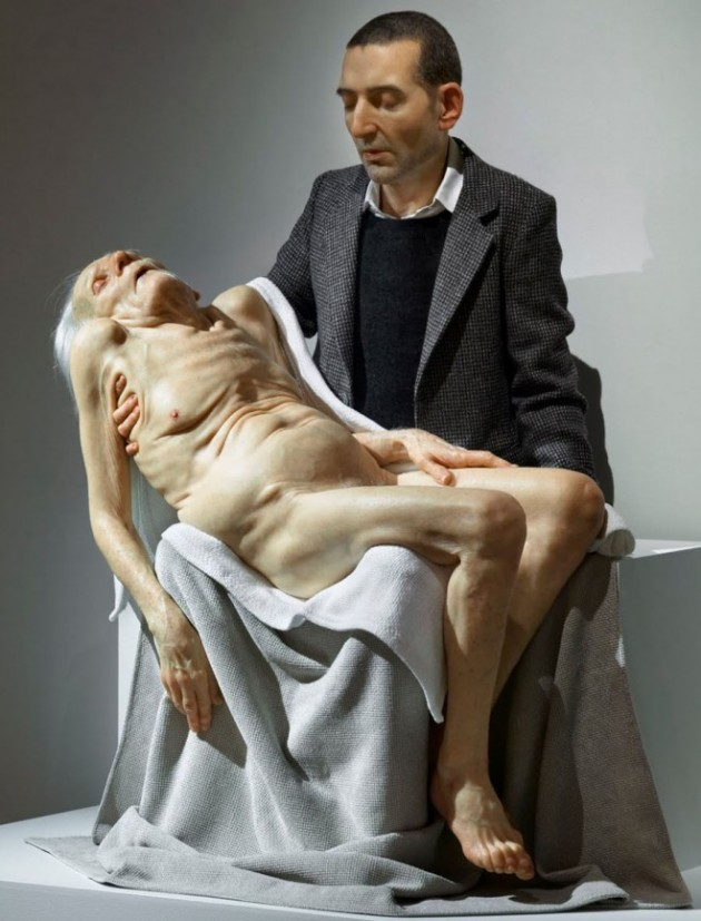 3-hyper-realistic-sculptures-by-sam-jinks.preview