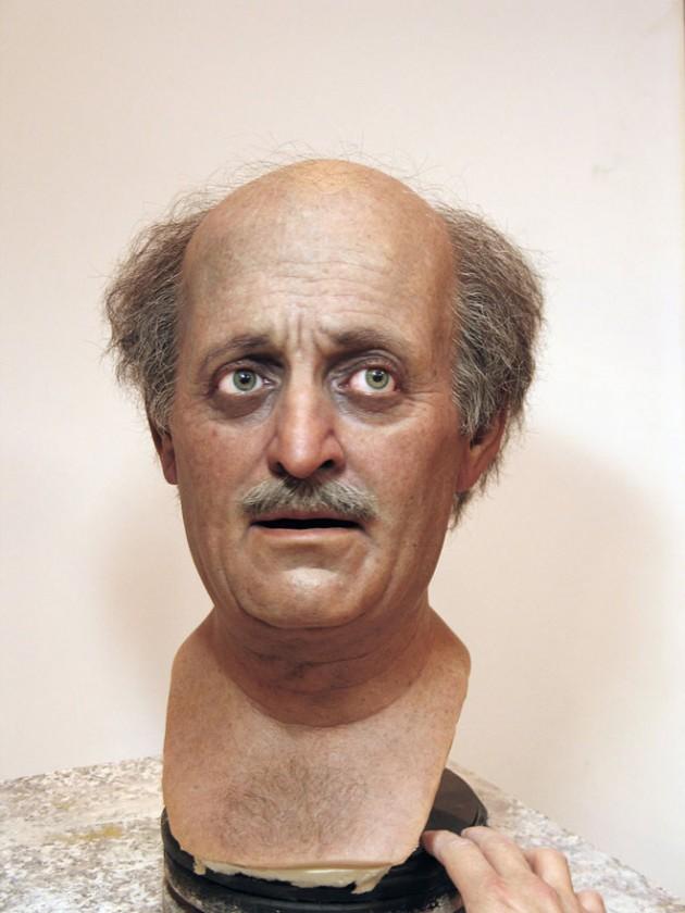 7-jumblatt-bust-realistic-sculpture
