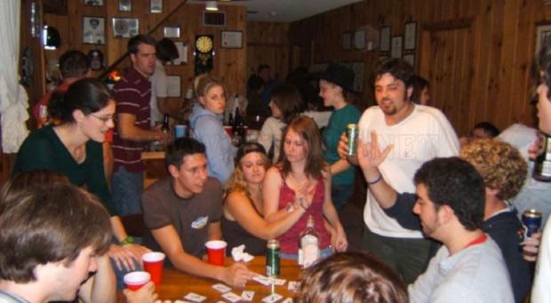 Aprenda-novos-jogos-de-cartas-para-jogar-no-churrasco-com-os-amigos9