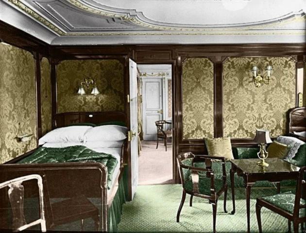 Titanic in Colorenhanced-buzz-wide-13451-1377288608-29