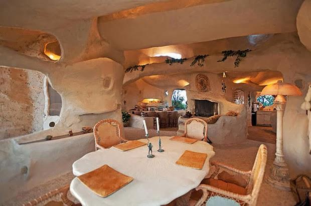 Casal-constrói-casa-inspirada-na-do-Flintstones-na-Califórnia-8
