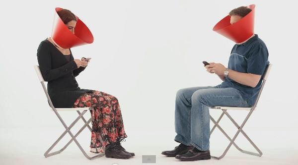 Coca-Cola apresenta um guarda que nos protege do isolamento causado pelas redes sociais