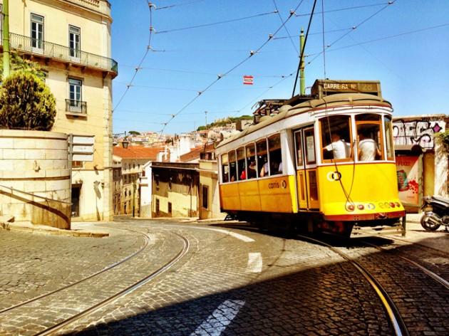 LX Type - A fonte oficial de Lisboa criada pelos fios dos cabos eletricos da cidade 2