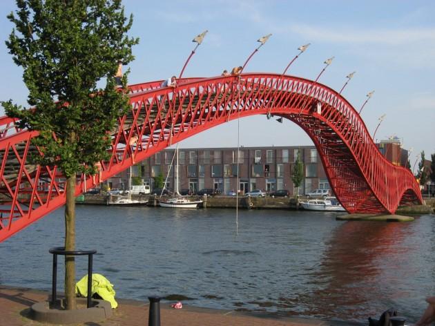 Ponte Pythonbrug - Amsterdã, Holanda