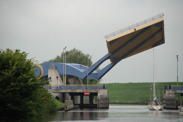 Slauerhoff Bridge - Leeuwarden, Holanda
