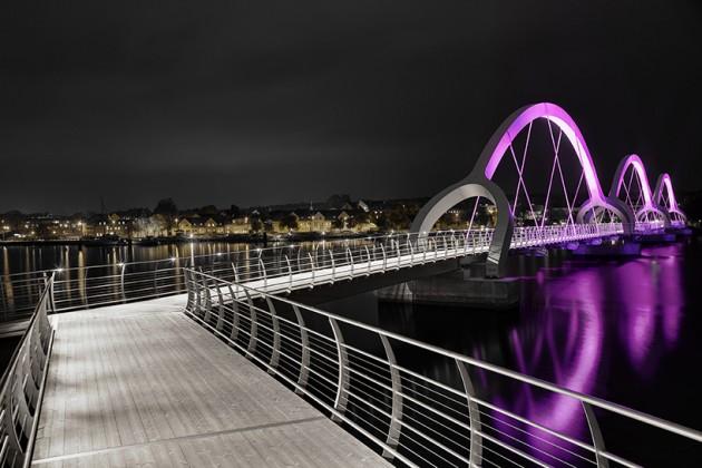 Glowing Solvesborg bridge - Solvesborg, Suécia