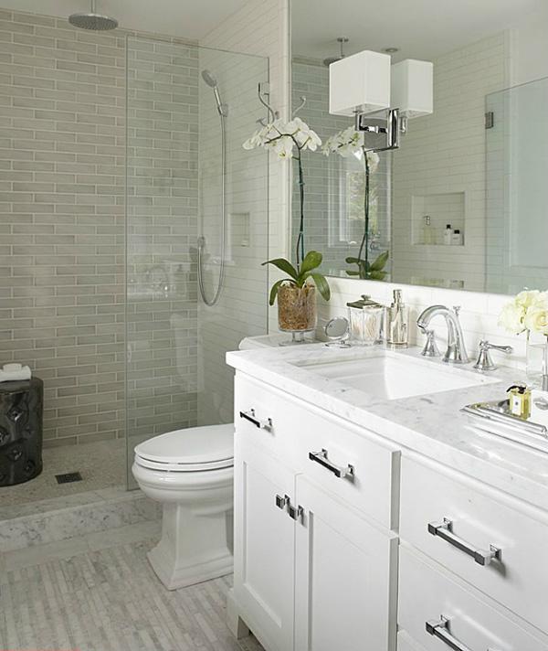 38-small-bathroom