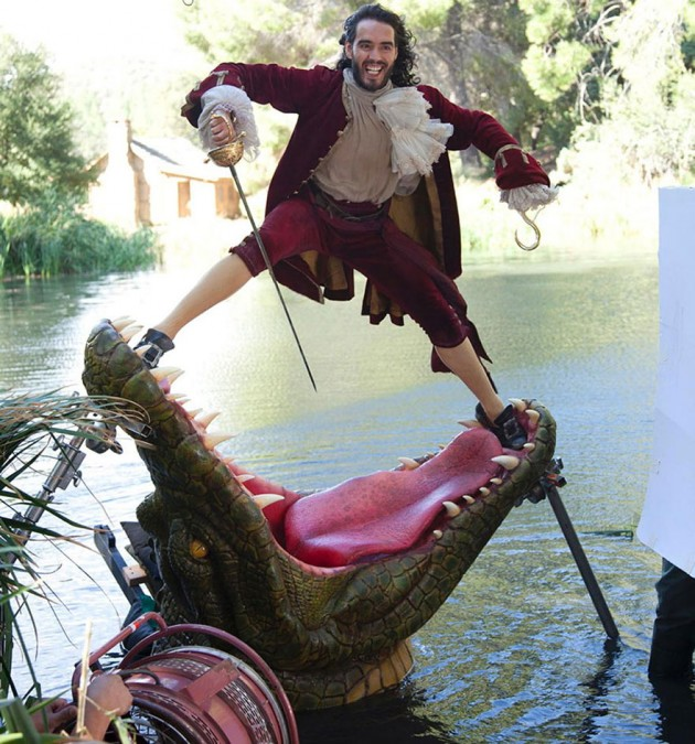 Russell Brand como Captain Hook
