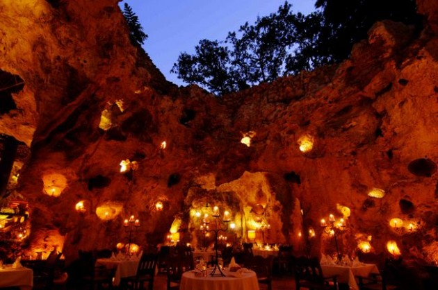 Ali Barbour's Cave Restaurant (Quênia)