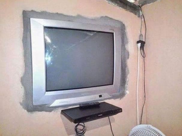 Essa é pra quem sempre sonhou em ver sua tv na parede...