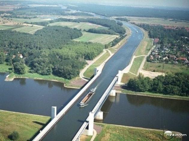 #8 - Ponte aquífera de Magdeburgo, na Alemanha
