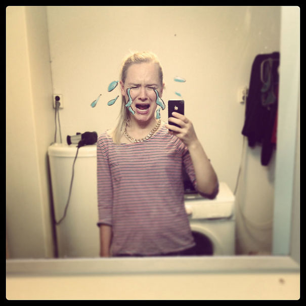 I-drew-these-mirrorselfies-on-my-bathroom-mirror15__605