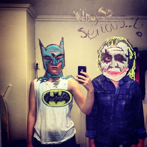 I-drew-these-mirrorselfies-on-my-bathroom-mirror19__605