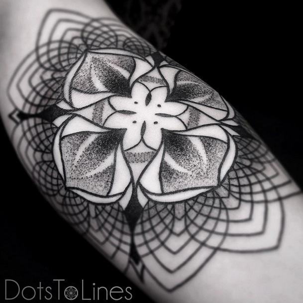 Incríveis-Tatuagens-em-linhas-por-Dotstolines-18