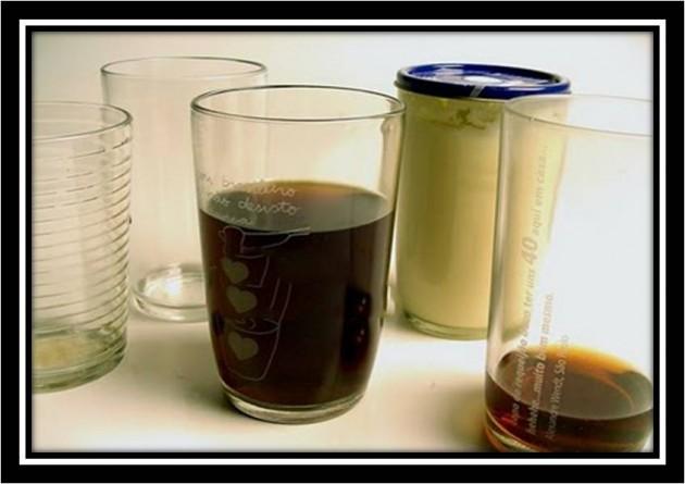 """#10 - Ter 90% dos copos da sua casa de """"Copo de Requeijão"""""""