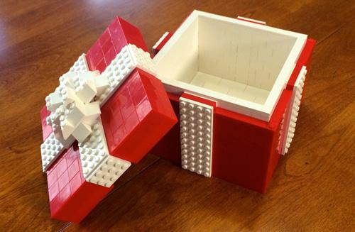1) Caixa de Presente – Cansado de dar presentes nas embalagens de sempre? Eis aqui a solução.