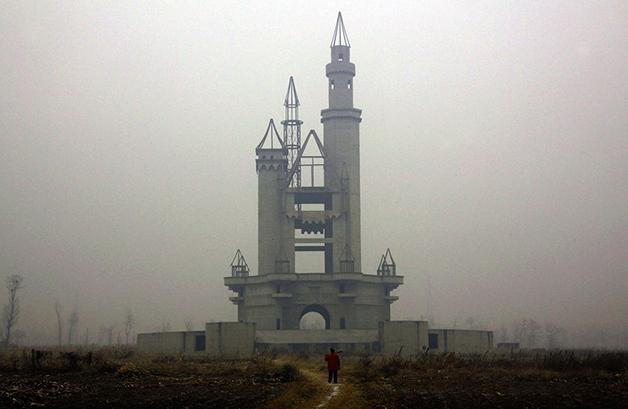 O Wonderland prometia ser o maior parque temático da Ásia, mas acabou abandonado nos arredores de Pequim
