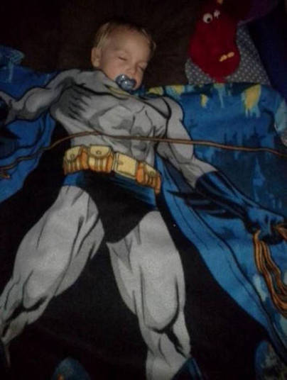 Super menino que dorme!