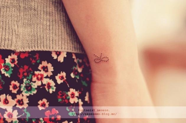 minimalistic-feminine-discreet-tattoo-seoeon-32