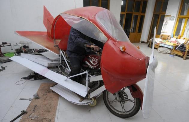 O avião caseiro de Zhang Xuelin