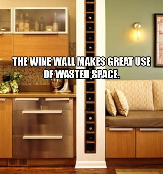 Utilize a parede de sustentação para guardar os vinhos