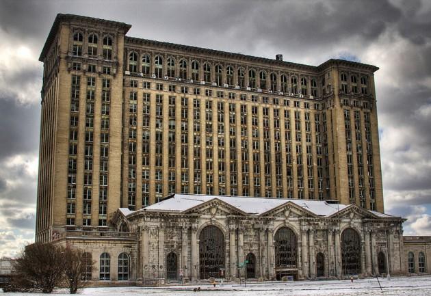 #11 - Antiga Estação Central Michigan em Detroit, EUA. Inaugurada em 1913 e fechada em 1988.