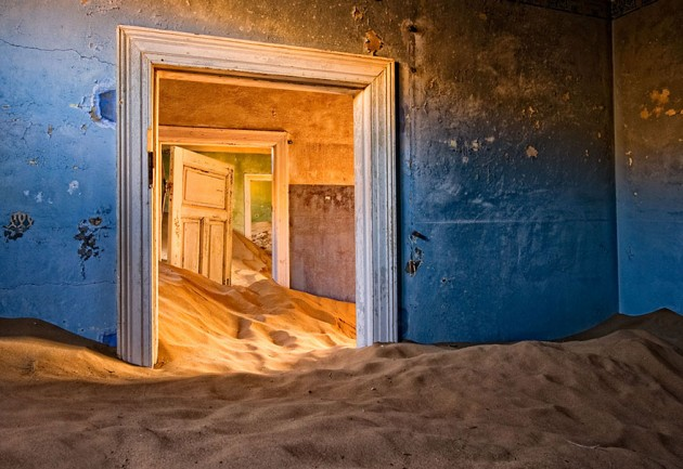 #2 - Cidade Fantasma de Kolmanskop, Deserto da Namíbia