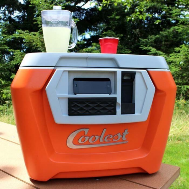 #5 - Cooler 1000 em 1. Abridor de Garrafas, liquidificador e um carregador de celular Usb.