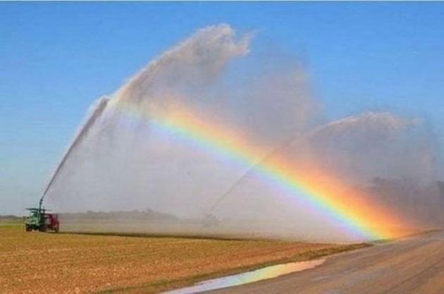 #10 Vou pintar um arco-íris de energia, Pra deixar o mundo cheio de alegria!