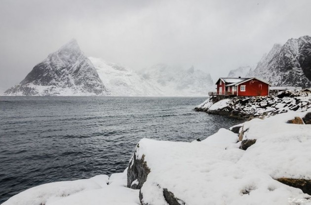 Casa Vermelha Na Neve, Noruega
