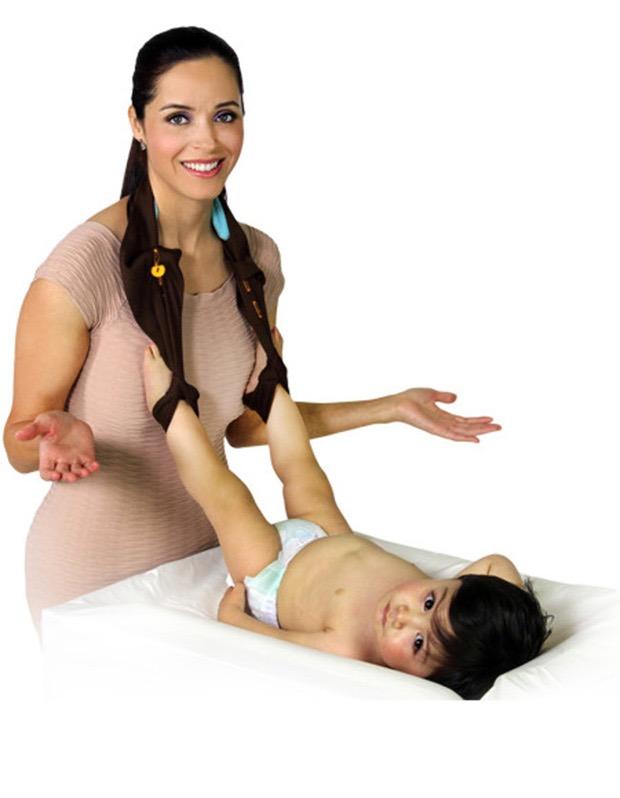 #12 - Suporte para ajudar a trocar a frauda do bebê.