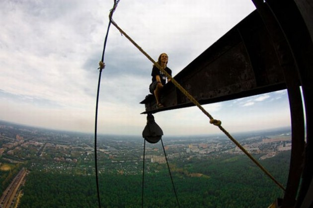 roofers_not_afraid_of_heights_2