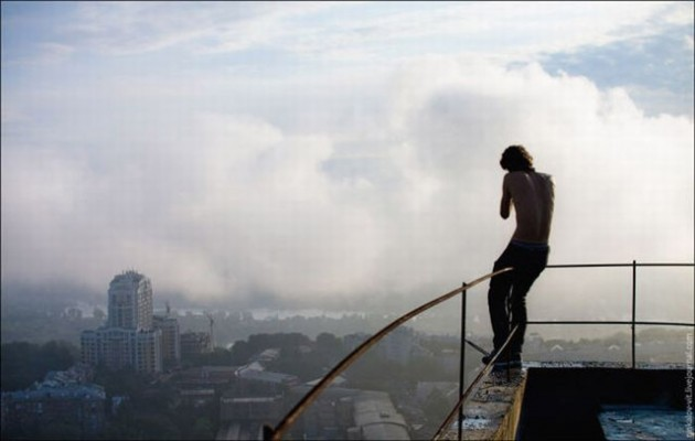 roofers_not_afraid_of_heights_20