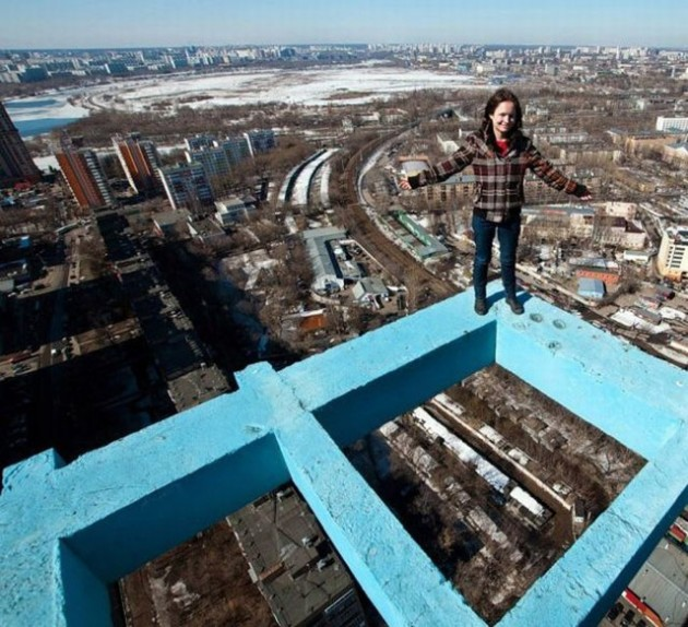 roofers_not_afraid_of_heights_30