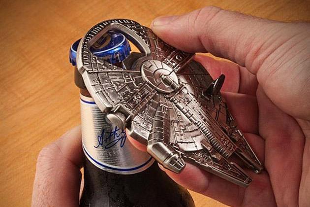 Millennium-Falcon-Bottle-Opener