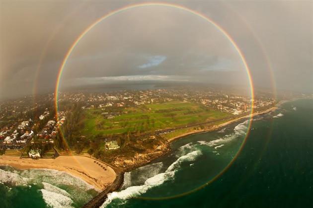 #8 - Arco Íris em 360 graus fotografado de um avião