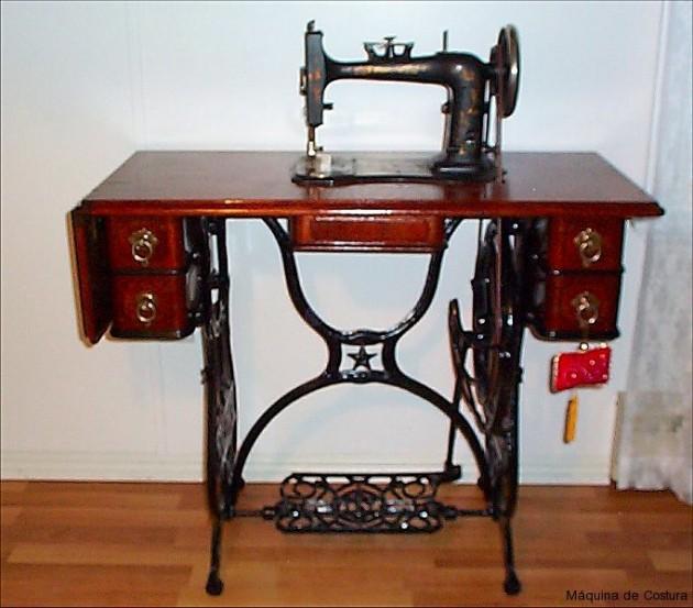#19 - Maquina de costura que funcionava com o acionamento nos pés