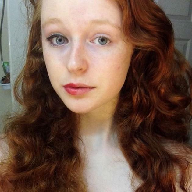 Garotas são maquiadas pela metade para conscientizar algo muito importante para as mulheres 5