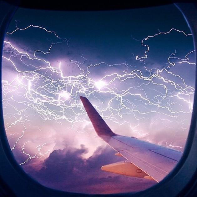 #11 - Tempestade vista da janela do avião