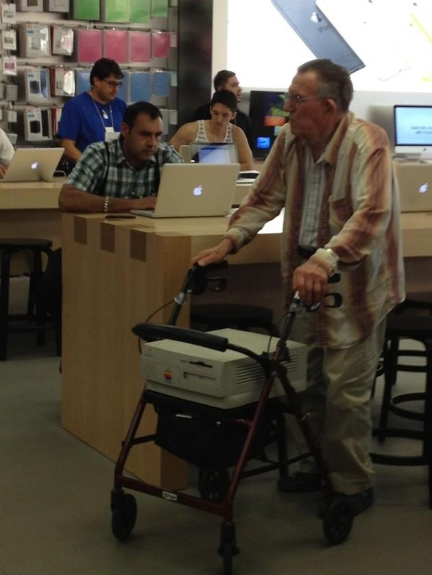 15 Coisas e pessoas malucas flagradas dentro das lojas da apple