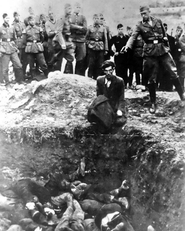 Último judeu de Vinnitsa prestes a ser exterminando em uma vala na Ucrânia em 1941. Antes dele, 28 mil judeus de Vinnitsa foram assassinados.