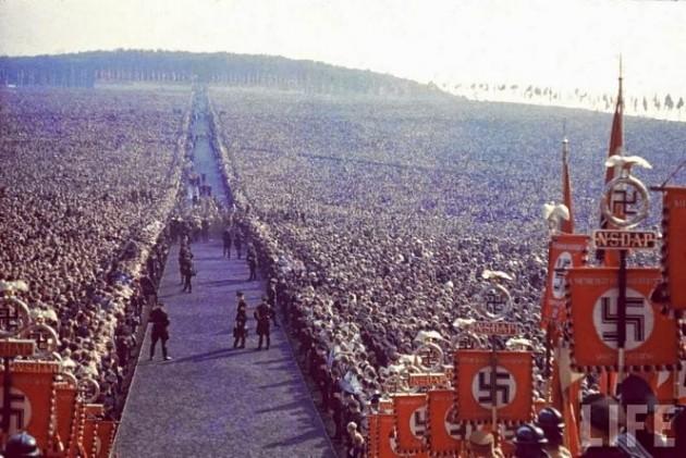 Manifestação nazista em 1937, na Alemanha